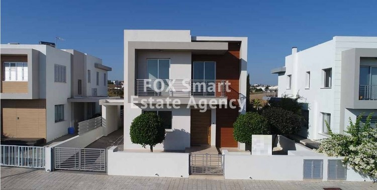 For Sale 4 Bedroom Detached House in Laiki Sporting Club Area, Latsia
