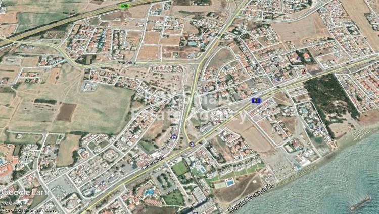 Plot of 640m² for Sale in Oroklini, Larnaca