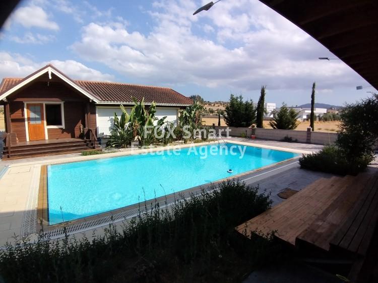Luxury villa with swimming pool for rent in Alambra-Nicosia