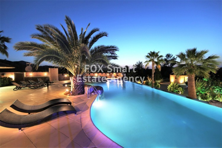 Luxurious place in a magnificent residential location in Nicosia Suburbs