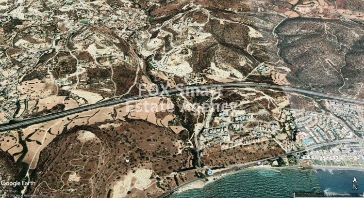 Land in Agios tychon, Limassol