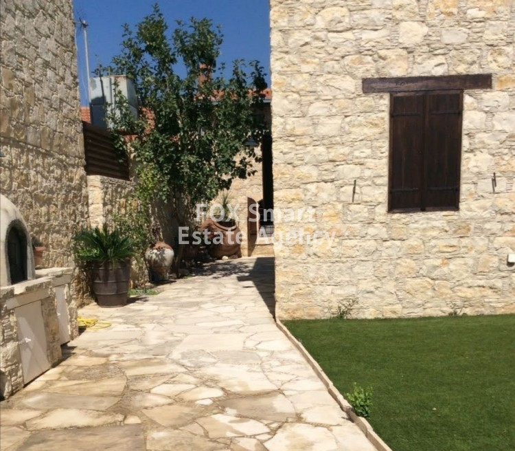 For Sale 3 Bedroom Semi-detached House in Lofou, Limassol