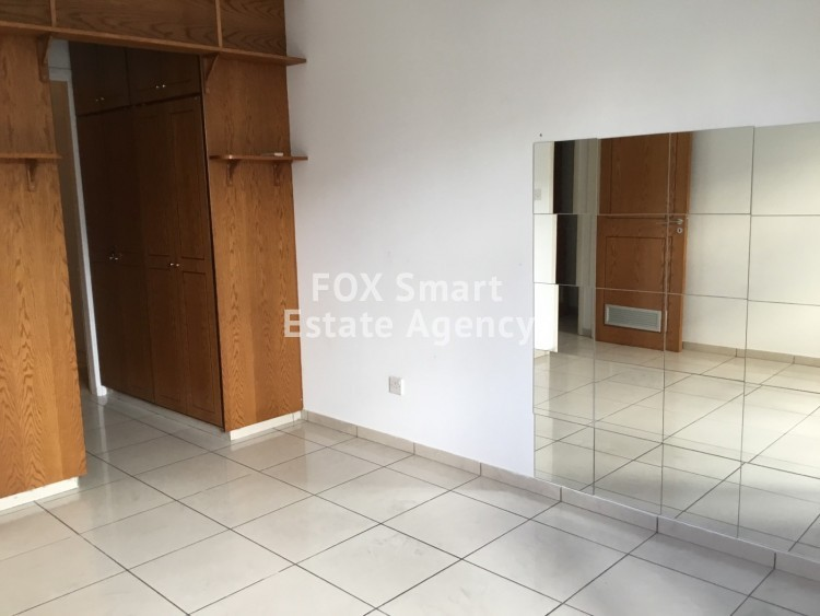For Rent 100sq.m Ground floor Office in Akropolis, Nicosia
