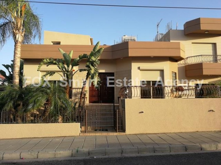To Rent 4 Bedroom Semi-detached House in Kato polemidia, Limassol