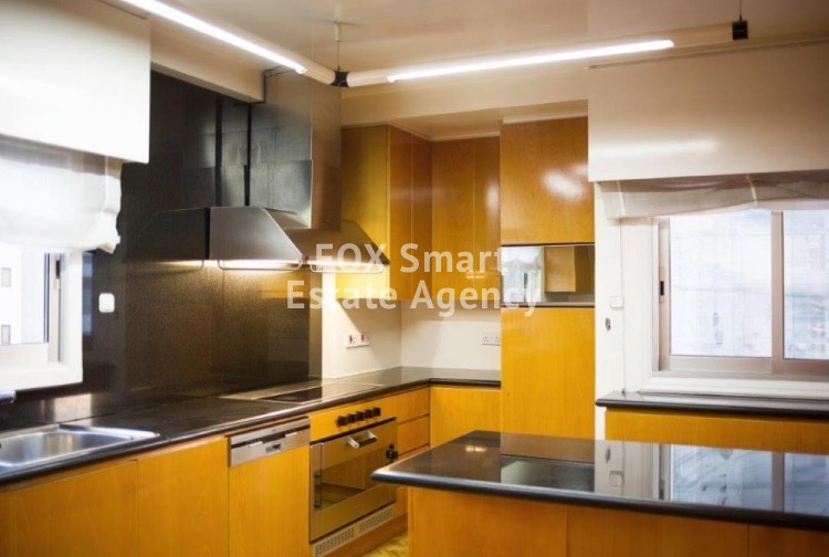 Furnished 4 bedroom whole floor flat in Nicosia center