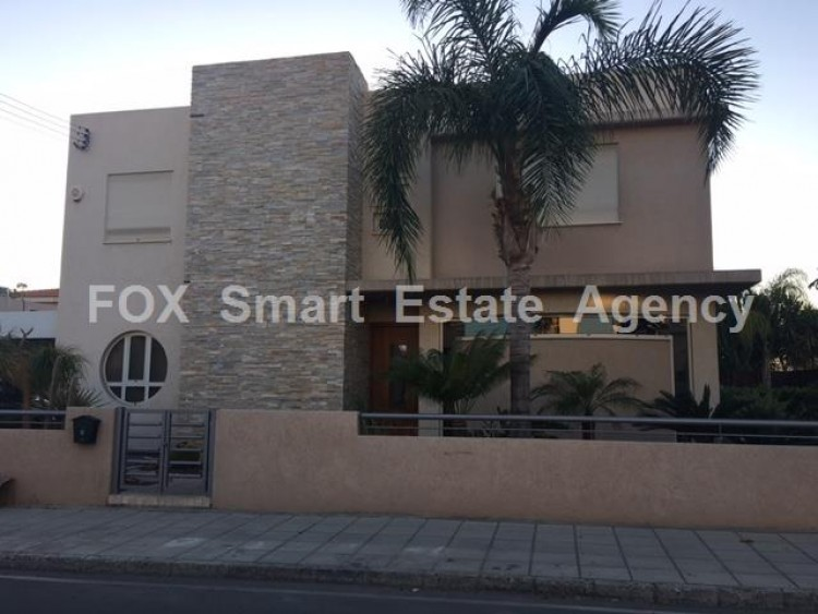 To Rent 4 Bedroom Detached House in Kato polemidia, Limassol