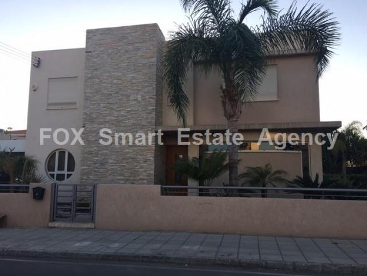 To Rent 4 Bedroom Detached House in Kato polemidia, Limassol