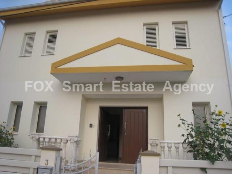 To Rent 6 Bedroom Detached House in Lakatameia, Nicosia