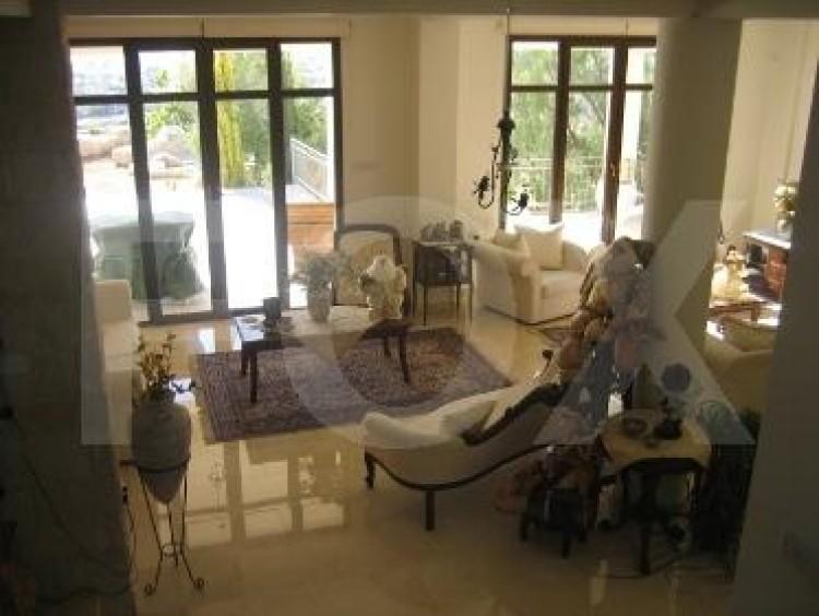 To Rent 6 Bedroom Detached House in Germasogeia, Limassol