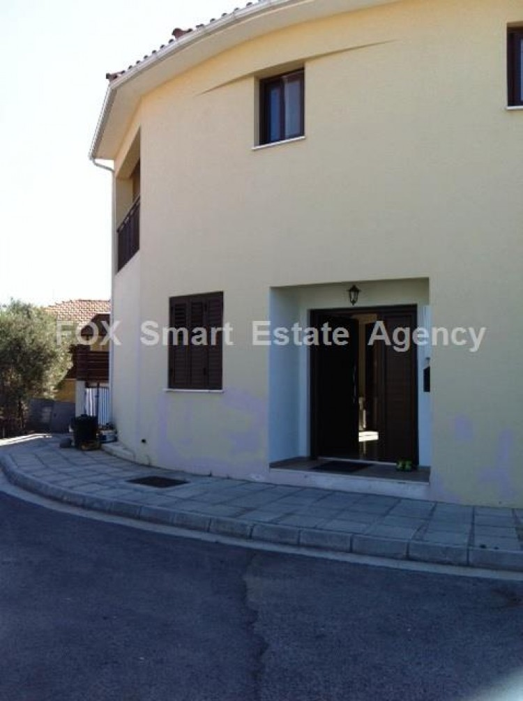 For Sale 2 Bedroom Semi-detached House in Lakatameia, Nicosia