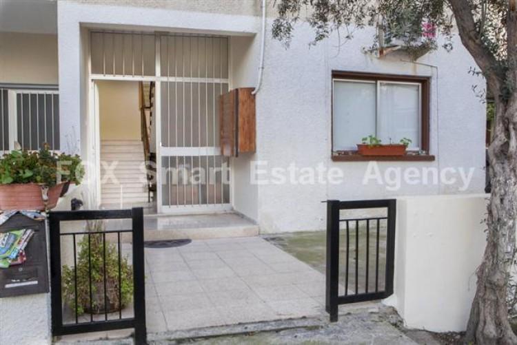 For Sale 3 Bedroom Upper floor (2-floor building) House in Akropolis, Nicosia