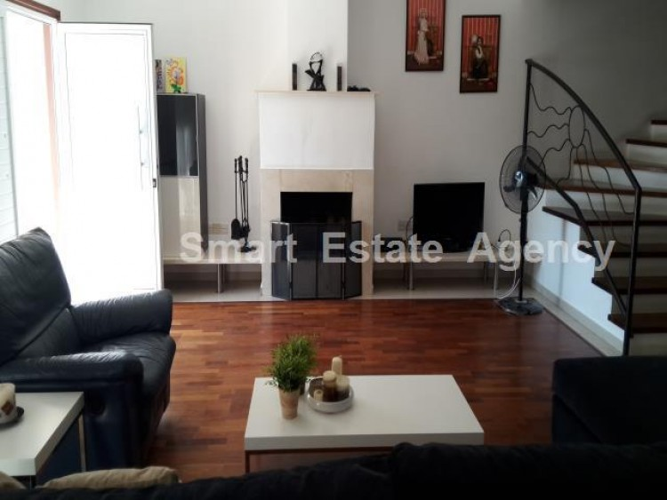 For Sale 4 Bedroom Semi-detached House in Krasas area, Larnaca