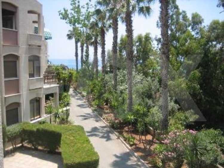 For Sale 2 Bedroom Apartment in Amathounta, Limassol