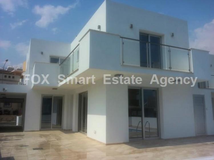 For Sale 5 Bedroom Semi-detached House in Oroklini, Voroklini (oroklini), Larnaca