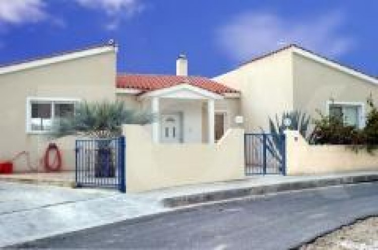 For Sale 3 Bedroom Detached House in Mesa chorio, Paphos